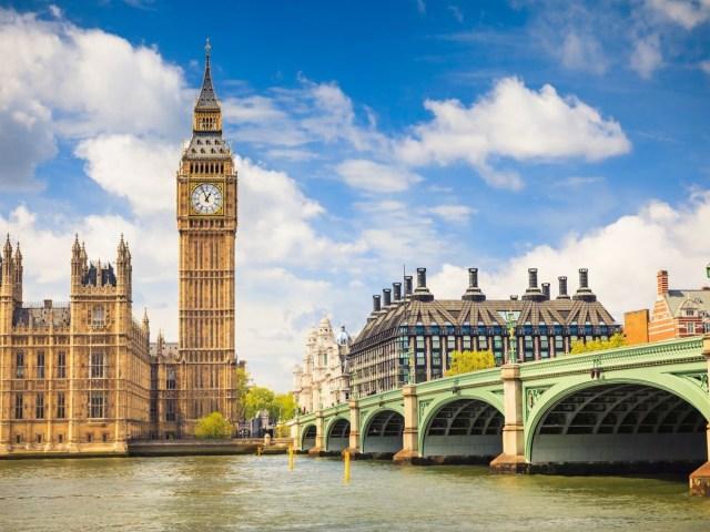 Свої прибульці: як Велика Британія змінює міграційну політику